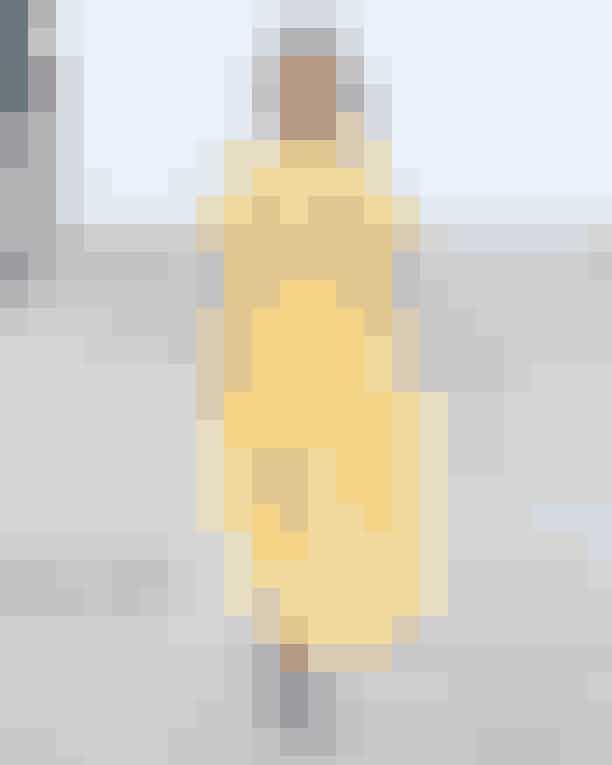 Editor Malou Wedel Brun: Cecilie BahnsenJeg ønsker mig alt fra Cecilie Bahnsens S/S 2020-kollektion, men hvis jeg skal vælge, må det nok blive denne honningmelonfarvede kjole, som ikke bare understreger Bahnsens eminente sans for tekstiler, men også viser hendes signatur-silhuet i en lidt lettere version og en ny, smægtende lækker farve.
