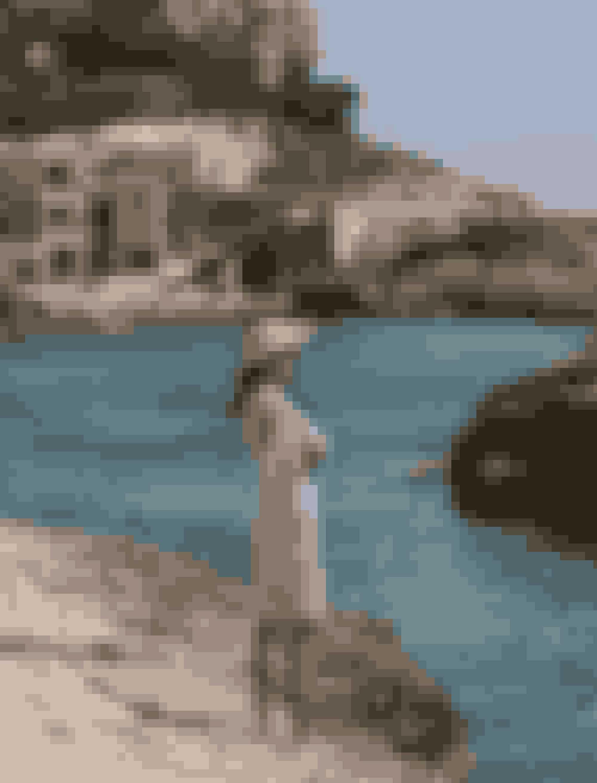 Modeserie: Postkort fra Middelhavet. Solkysset hud, saltvand i håret og lange, sløve dage er middelhavet, når det er bedst. Selv om din sommer holdes inden for danmarks grænser, kan du sagtens drømme dig væk til Mallorcas smukke klippestrande og uforglemmelige solnedgange.