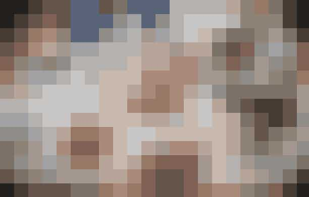 SandersVil du både gøre dig selv, din mave og din Instagram-konto glad, skal du spise morgenmad på Sanders. På det velindrettede hotel i indre by får du fx en Bircher Müsli bestående af overnight oats, grønne æbler, tranebær og kanel for simple 55 danske kroner. Så er der endda også råd til en blåbærmuffin til 35 kroner.Hvor:Tordenskjoldsgade 15, 1055 København K.
