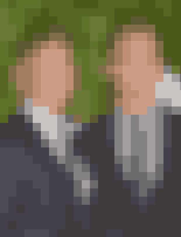 Neil Patrick Harris and David BurtkaNeil og David begyndte at se hinanden I 2004 og 10 år senere, i 2014, blev de gift I Italien.Parret har to børn, som de laver virkelig mange sjove ting med, og de er den sødste lille famlilie!