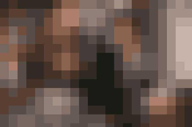 The Bodyguard: Vi elsker, at Netflix for nyligt har tilføjet en af vores 90'er-favoritter til deres liste af kærlighedsfilm; The Bodyguard, som er blevet en af de 100 mest indbringende film gennem tiden. Men hvem kan også stå for Whitney Houston og Kevin Costner i den her film? Vi kan ikke! Og hvis du får lyst til mere Whitney Houston og hendes vidunderlige stemme efterfølgende, kan vi i den grad anbefale dokumentaren 'Can I Be Me' på Netflix, som giver et unikt indblik i hele Whitney Houstons karriere og liv, der desværre sluttede alt for tidligt i 2012, hvor hun blev fundet død på et hotel i Los Angeles.