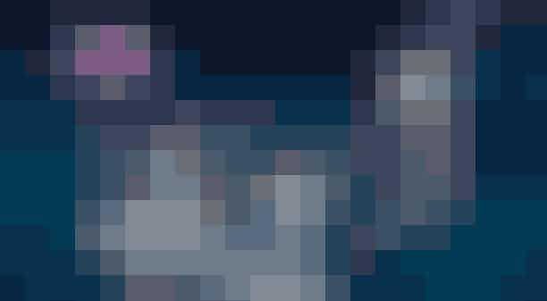 Juleballet i Tivoli: 29. november til 30. decemberVil du opleve en eventyrlig ballet, så huser Tivolis Koncertsal intet mindre end balletklassikeren Nøddeknækkeren i julen 2018, hvortil du allerede kan købe billetter nu. Så glæd dig til et juleeventyr med et internationalt team af balletdansere, som spiller i over 100 kostumer til en scenografi skabt af selveste Dronning Margrethe. Forestillingen har sine rødder fra 1816 og er en verdenskendt ballet.Læs mere her.Entre: fra 215 kronerHvor:Tivoli koncertsal,Vesterbrogade 3,1630 København VHvornår: Aftenforestillinger fra den 29. november til 30. december 2018