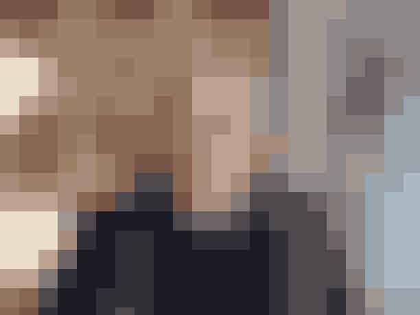 Et helt specielt item har fødselsdag denne måned. Du har formentlig en hjemme i skabet, eller måske har du 29 ligesom vores modeskribent Lottie Freddie? Den ikoniske Nørgaard 101-T-shirt fylder 50 år, og ELLEs Lotte Freddie har i denne anledning mødt manden bag Nørgaard-universet, Jørgen Nørgaard,til en snak omhvordan det hele startede og hans passion for kunst.