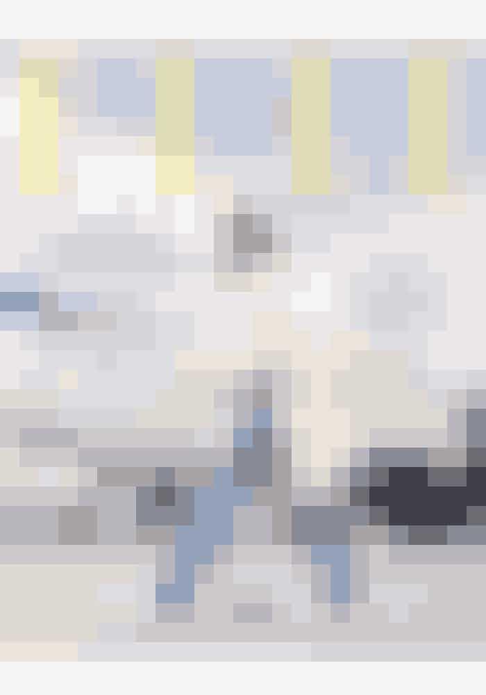 I denne måneds ELLE får du også det helt nye 'ELLE Travel' med gratis, hvor vi guider til de bedste adresser i Paris, New York, Milano og Stockholm, samtidig med at modebossen Uffe Buchard guider til solrige og hippe Miami (.. som igen er blevet USA's nye hotspot!). Derudover kan du også vinde en rejse for to til din yndlingsstorby...