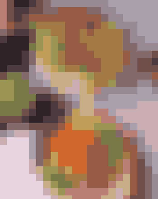 Oli Oli.Selv en vaskeægte regnvejrsdag synes farverig hos Oli Oli. Her serveres poké bowls, der bedst oversættes til sushi i en skål. Den friske fisk kombineres perfekt med alskens grøntsager. Det er sundt, men på ingen måder kedeligt.Hvor:Gammel Kongevej 169, 1850 Frederiksberg,Frederiksborggade 31, 1360 København K, Østerbrogade 43, 2100 København Ø, Lyngby Hovedgade 74, 2800 Kgs. Lyngby, Amagerbrogade 146, 2300 København S og Kastrup Lufthavn.Se mere her.