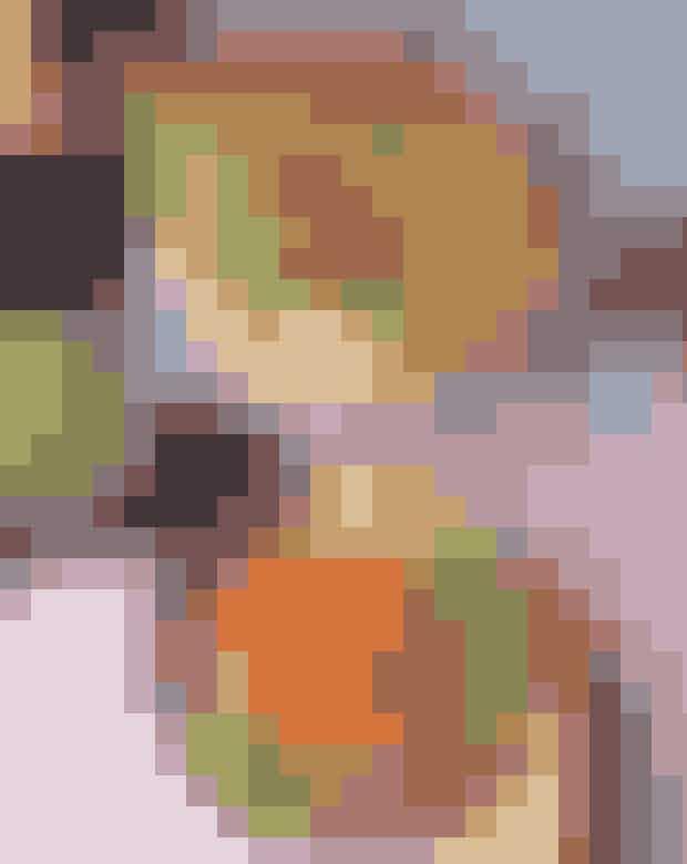 Oli Oli.Selv en vaskeægte regnvejrsdag synes farverig hos Oli Oli. Her serveres poké bowls, der bedst oversættes til sushi i en skål. Den friske fisk kombineres perfekt med alskens grøntsager, det er sundt, men på ingen måder kedeligt.Hvor:Gammel Kongevej 169, 1850 Frederiksberg,Frederiksborggade 31, 1360 København K ogØsterbrogade 43, 2100 København Ø.
