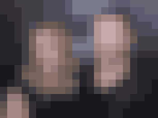 Cameron Diaz og Justin TimberlakeÅhh! Man får stadig lidt et stik i hjertet over Justin og Cameron, der dannede par fra 2003-2007, og var 00'ernes ultimative Hollywood it-couple. Desværre holdt forholdet mellem de to energibomber ikke, men selvom de skilte deres veje privat, betød det (heldigvis) ikke, at vi andre skulle give helt slip på parret. De blev nemlig genforenet i fiktionens tegn i 2011, hvor de indspillede den yderst morsomme komedie Bad Teacher sammen.
