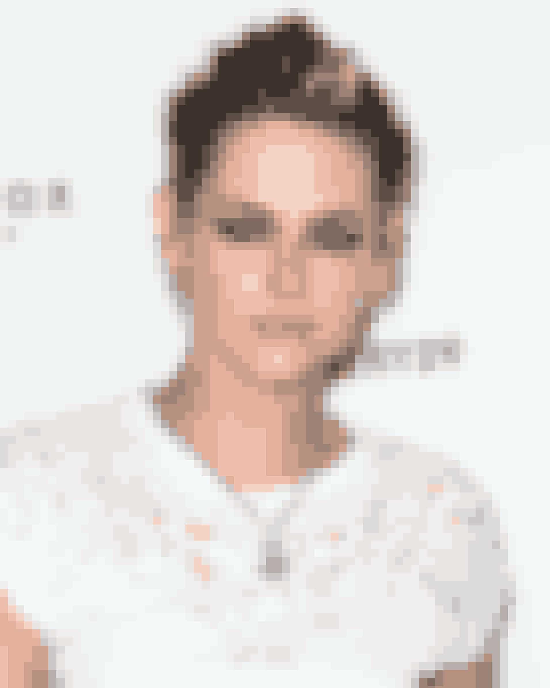 Kristen StewartKristens første film, kortfilmen 'Come Swim', blev vist på Cannes filmfestivalen i 2017.