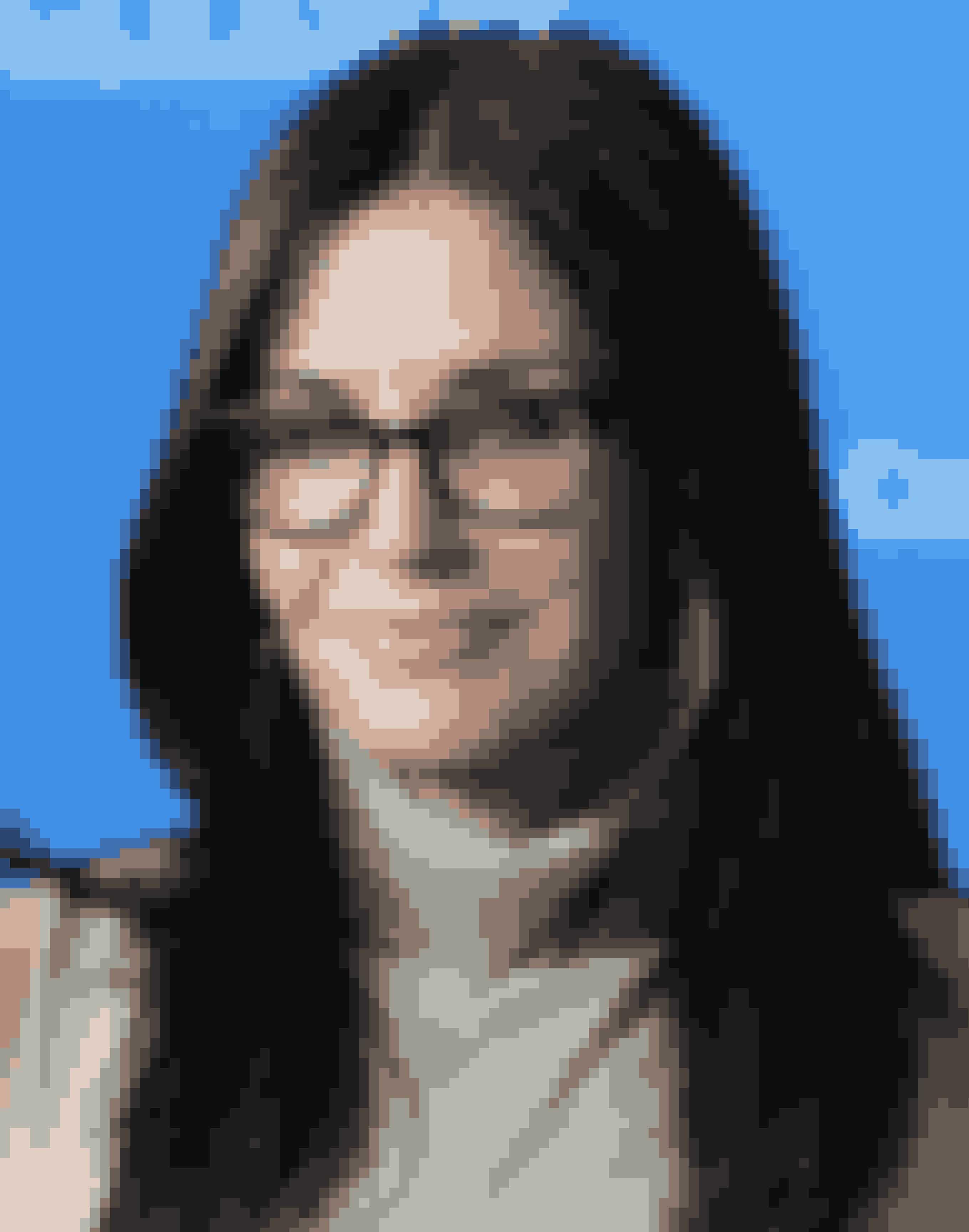 Courteney CoxVores allesammens Monica Geller gemmer på andet end et stort talent indenfor skuespil. Hun har instrueret 12 episoder af sit eget tv-show 'Cougar Town' og filmen 'Just Before I go' fra 2014. I 2012 instruerede hun også 'TalhotBlond', omhandlende et virkelighedsbaseret mord.