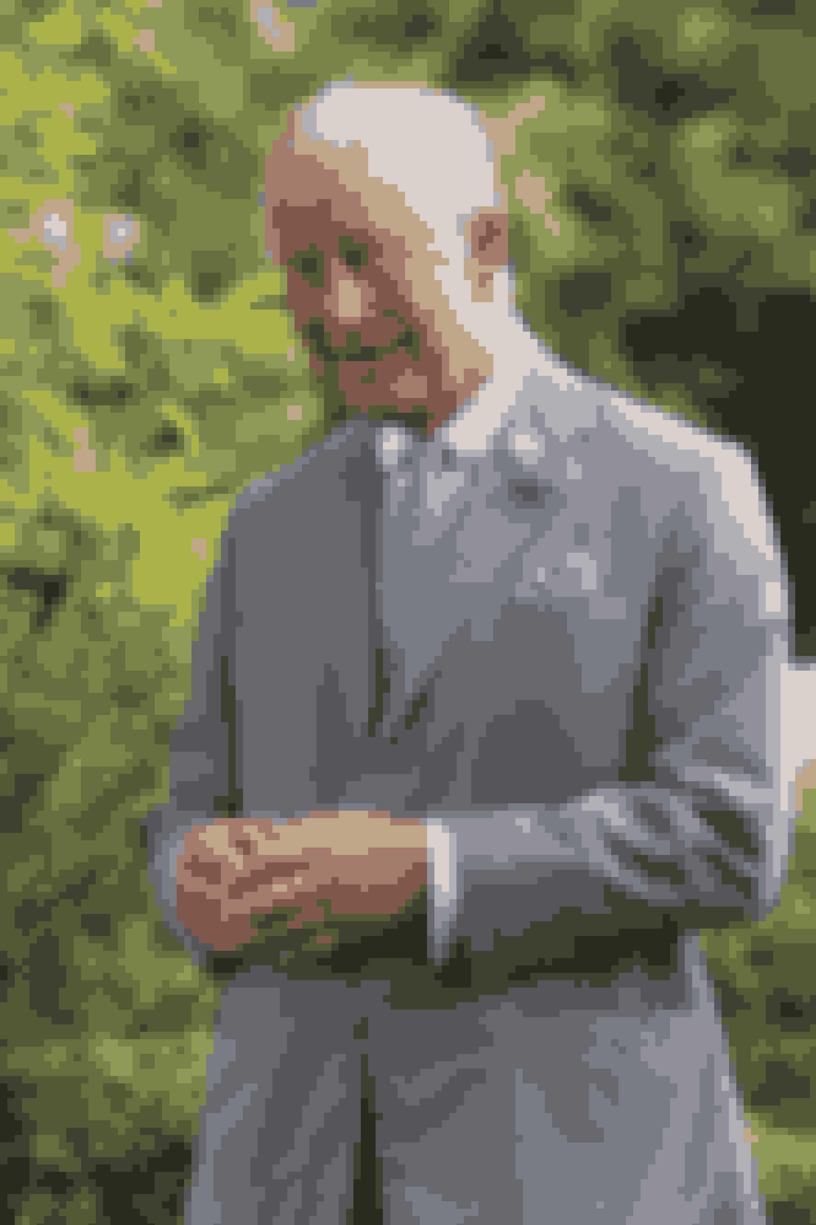 Prins Charles: 2,4 millarder kroner.Prins Charles er ifølge Wealth-x god for ca. 2,4 milliarder kroner. Den store pengesum som prins Charles råder over, er blandt andet takket være sin position som tronarving og som ejer af hertugdømmet Cornwall.
