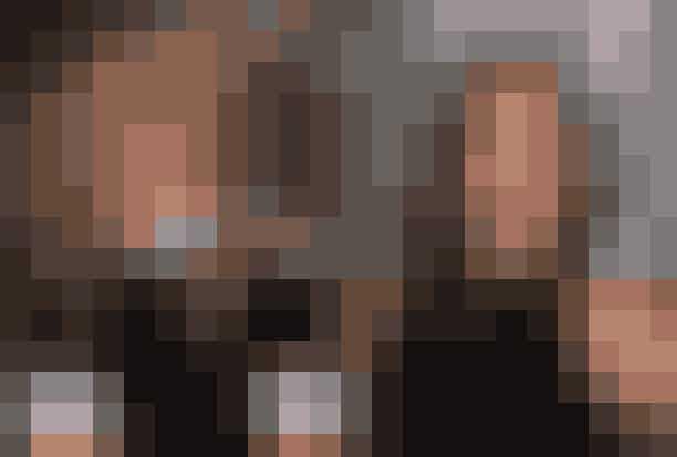 Rachel Green, FriendsRollen som Rachel Green blev ikke som det første tilbudt til Jennifer Aniston. Nej faktisk var det Courtney Cox, som altså endte med at spille Monica, som blev tilbudt at spille rollen som Rachel Green først. Courtney Cox gjorde det dog klart, at hun bedre kunne se sig i rollen som Monica, og heldigvis fik hun den rolle, og rollen som Rachel Green gik altså til Jennifer Aniston. Tænk hvis Courtney Cox og Jennifer Aniston havde byttet roller, så det var Jennifer Aniston med det evige rengøringsvanvid, og Courtney Cox med et on/off forhold med David Schwimmer...