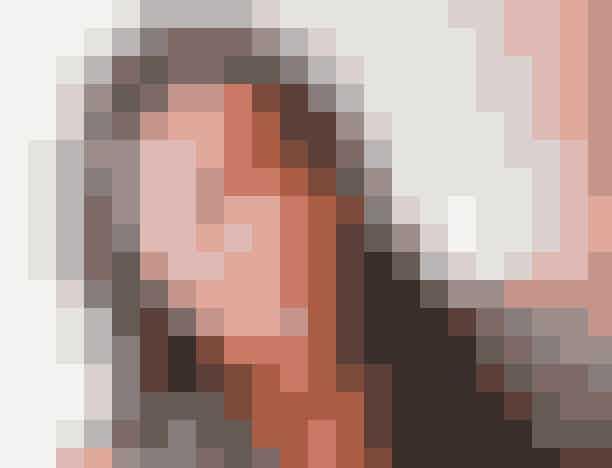 Røde læberMarkles makeup-artist, Daniel Martin, fortalte engang, at hertuginden ikke var vild med at have læbestift af den simple årsag, at hun var bekymret for, at hun pludselig havde det over det hele. Men nu hvor hendes kalender ikke skriver så mange herskabelige arrangementer, kan det være, hun tør vove pelsen.