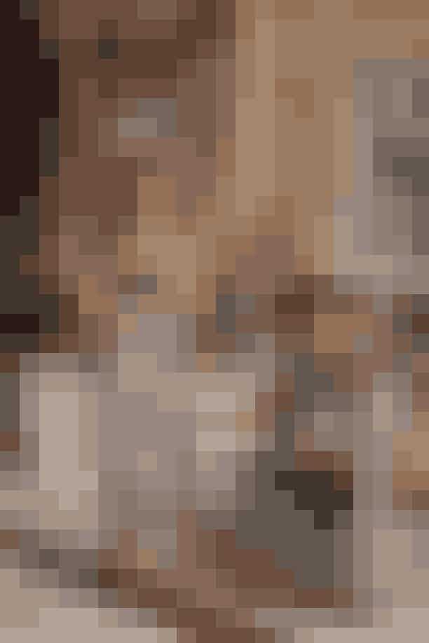 Rixo og House of Christian LacroixDenne samarbejdsduo har lavet en limited edition-kollektion, hvor der er taget inspiration i House of Christian Lacroix' mest ikoniske couture-designs. Stifterne af Rixo kiggede ind brandets arkiver i Paris og redesignede nogle af de mest populære items. Du vil se både clash af prints, diagonale striber, blomster, prikker og tern.Hvor: Kollektionen kan findes HER.