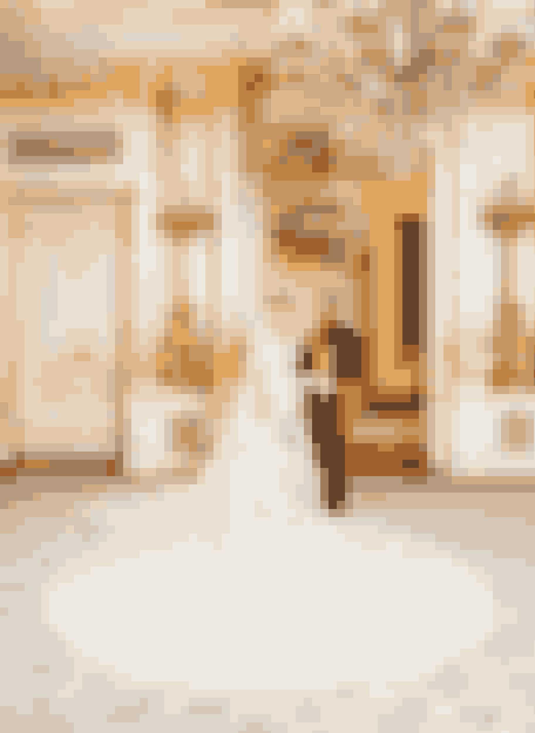 Arvestorhertuginde Stéphanie de Lannoy af Luxembourg iført kjole af Elie Saab ved sit bryllup med arvestorhertug Guillame af Luxembourg, 2012.