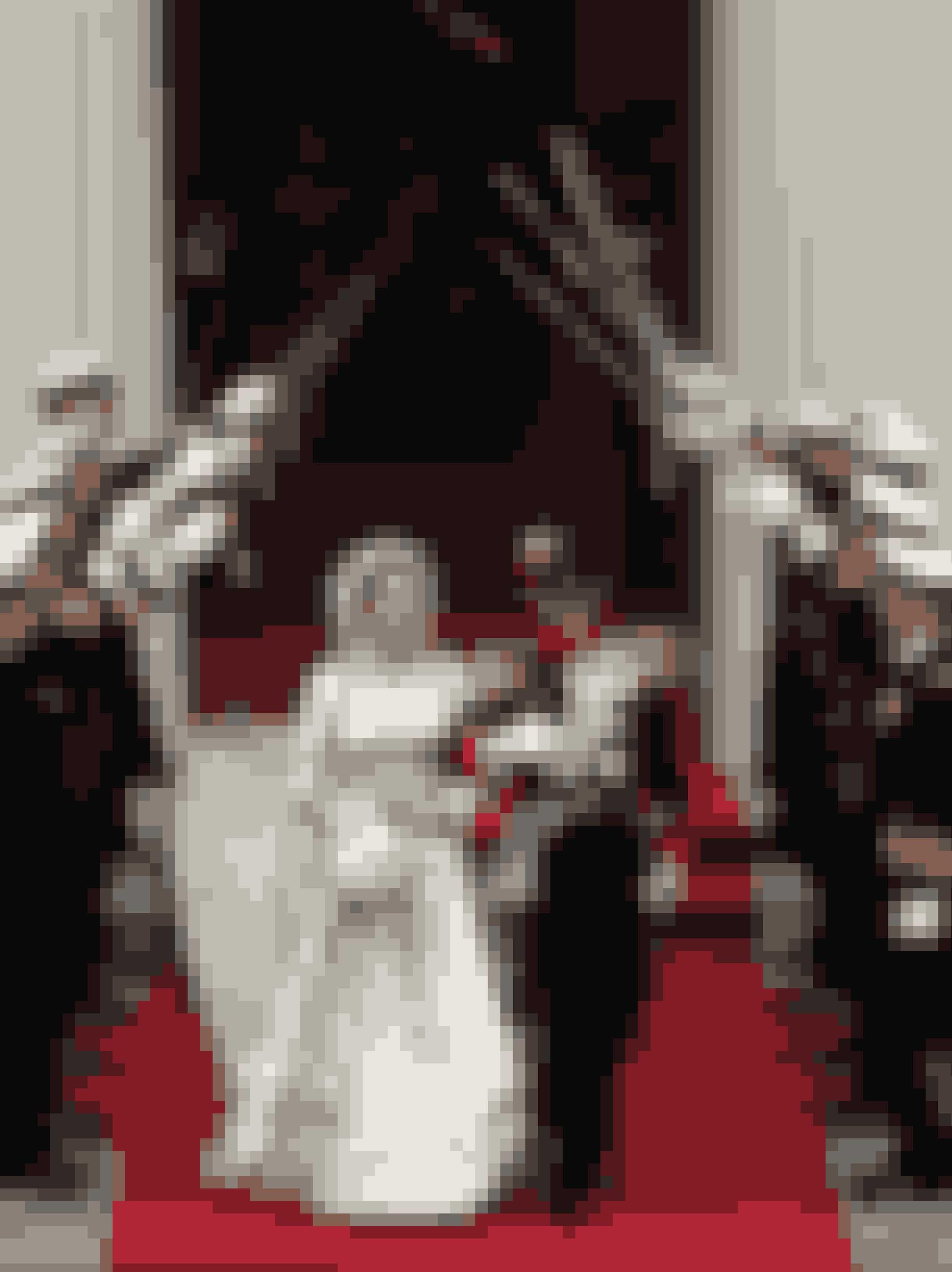 Kronprinsesse Mary iført kjole af Uffe Frank ved sit bryllup med Kronprins Frederik, 2004.