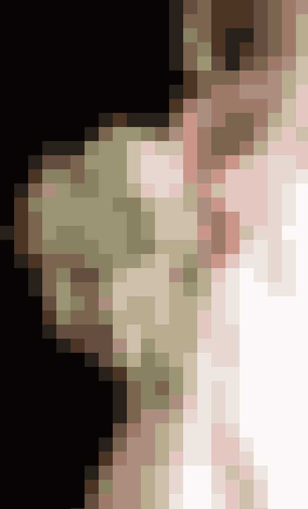 20. Bryllupsbuketten skal altid indeholde myrteEn ældgammel tradition fastholder, at blomsterbuketten som bruden bærer ved det royale bryllup, altid skal indeholde myrte [grene af en lille, stedsegrøn busk].