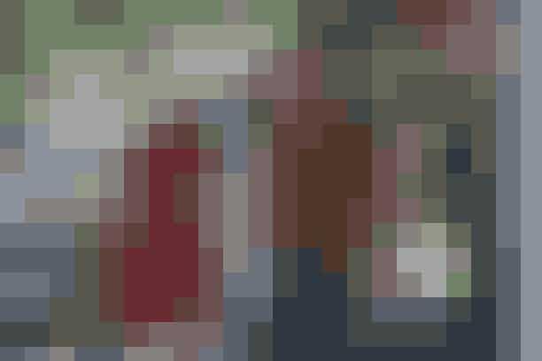 Ryan Gosling og Rachel McAdams – The Notebook'The Notebook' er nok en af de mest populære, romantiske film, og de to stjerner Ryan Gosling og Rachel McAdams endte faktisk også med at finde sammen efter de havde afsluttet optagelserne. Men forholdet mellem de to hovedroller var ikke ligefrem sukkersødt fra begyndelsen af. Da de to skuespillere begyndte at filme sammen, kunne de slet ikke fordrage hinanden. På et tidspunkt blev forholdet mellem dem så anstrengt, at Gosling spurgte instruktøren, om de kunne finde en anden skuespiller, som han kunne øve sine replikker med.