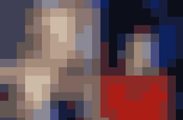 Sarah Jessica Parker afslog rollen som Lydia i Beetlejuice – spillet af Winona RyderVi kan ikke lade være med at undre os over, om Sarah Jessica Parker havde fået hovedrollen som Carrie Bradshaw, hvis hun havde taget denne dystre rolle som Lydia i Beetlejuice. Rollen gik til Winona Ryder, som lige siden har lavet en masse sci-fi-film.