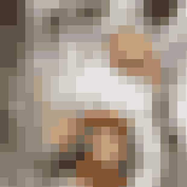 Restaurant Schønnemann.Hos Schønnemann i indre København har man serveret klassisk dansk frokst siden 1877. Her får du (måske) københavns bedste smørrebrød, og den skylles gerne ned med både øl og snaps. Du sidder side om side med turister, men så kan du jo passende lære dem om remoulade og stjerneskud.Hvor:Hauser Plads 16, 1127 København K.