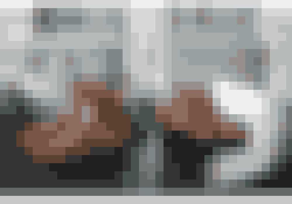 Chloé-støvlerne (til højre) har jeg haft i flere omgange – disse er mit fjerde par. De første to gik jeg aldrig med, fordi jeg ikke syntes, de passede til mig. Så solgte jeg dem, men blev alligevel fristet og har nu købt dem igen i bordeaux og sort. Isabel Marant-støvlerne (til venstre) er gode til kjoler og nederdele.