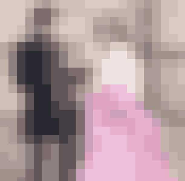 En stenbuk skal fries til på et slotStenbukken er ret så traditionel – de holder sig gerne inden for linjerne og træder helst ikke udenfor. Den kvindelige stenbuk rummer også en sans for detaljer og en evig perfektionist, så hvad er mere picture-perfect end et frieri på et eventyrligt slot? De fleste kvindelige stenbukke vil blive bløde i knæene, hvis du kan stable et frieri af et eventyr på benene!