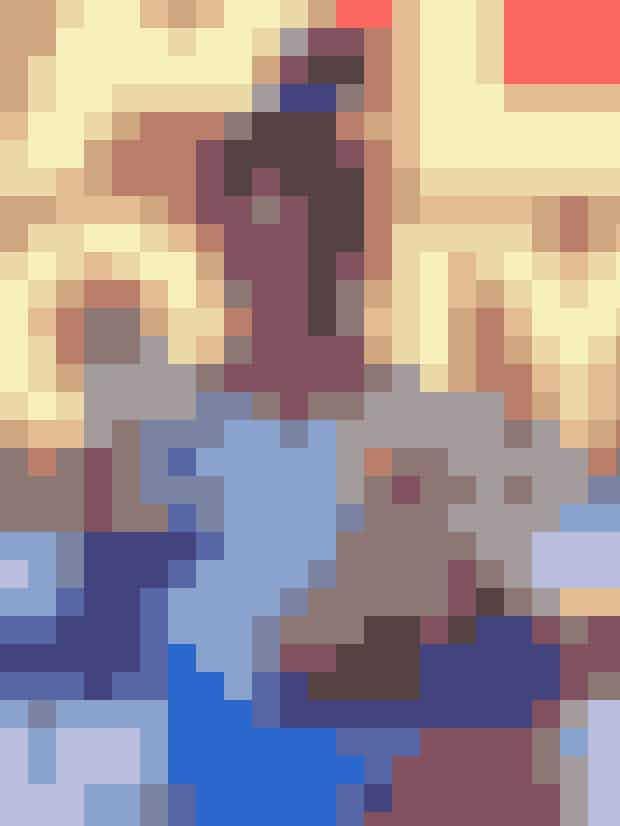 I august 2018 blev Simone Biles den første kvinde til at kvinde fem titler ved det amerikanske nationalmesterskab. På dagen bar Biles en lyseblå dragt, der er den officielle farve for overlevere af seksuel krænkelse, idet Biles ville markere, at hun (lige som hundredvis andre gymnaster) er blevet krænket af tidligere landstræner, Larry Nassar.