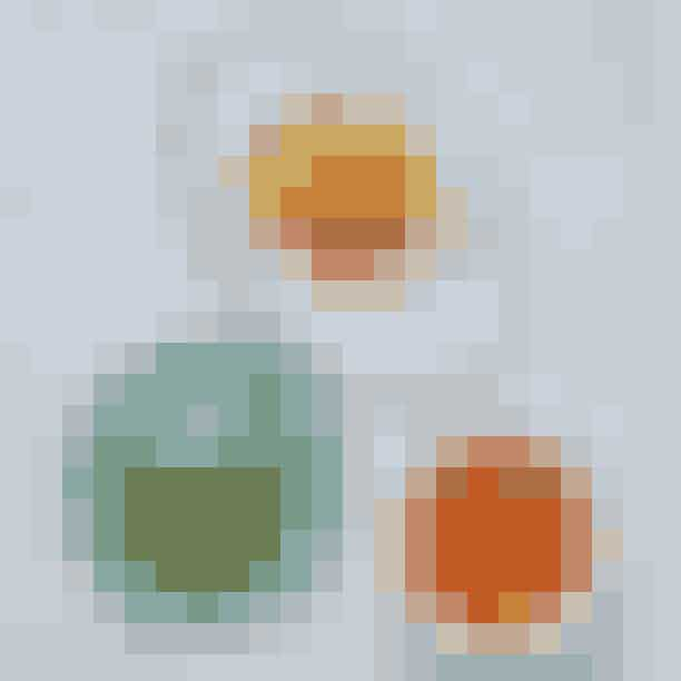simpleRAWPå simpleRAW finder du retter, der er helt fri for konserveringsmidler, tilsætningsstoffer, mælkeprodukter og gluten. Menuen er baseret på vegansk gastronomi, og maden er derfor lavet på naturens egne råvarer. Hos simpleRAW kan du vælge mellem alt fra lækre sandwiches til indbydende snacks.Hvor:Gråbrødretorv 9, 1154 København KÅbningstider:Mandag – fredag: 12.00 – 20.30, lørdag 11.00 – 20.30, søndag 11.00 – 16.00Psst!simpleRAW byder desuden på en ugentlig ret i samarbejde med konceptet 'EAT GRIM', hvor de skaber en menu på baggrund af økologiske og skæve grøntsager, som er i overskud hos landmændene. Der er altså ingen tvivl om, at du kan spise med god samvittighed her.