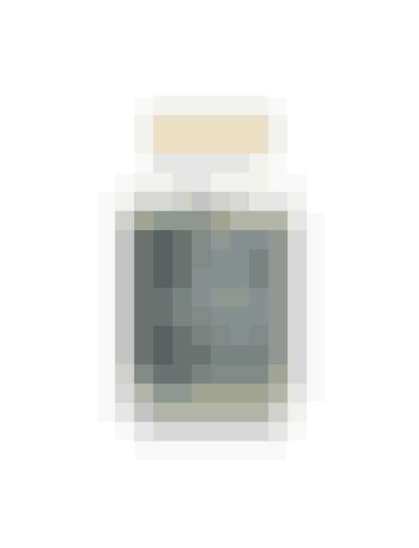 """Smuuk Skin, 'HairBooster', skønhedstabletter, 299 kroner (90 dage)Smuuk HairBooster styrker håret fra rod til spids med en unik sammensætning af vitaminer, mineraler og aminosyrer, der alle er essentielle næringsstoffer for hårsækken """"hårstråets rod"""" og som er med til at sikre en optimal hårvækst.Kan købes online HER"""