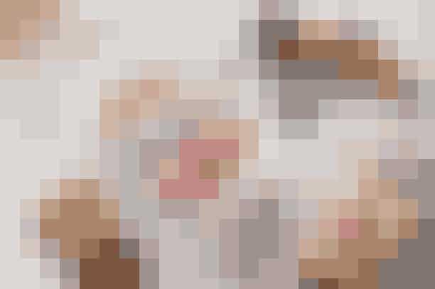 Social FoodiesEr der noget bedre end at spise søde sager med god samvittighed? Hos Social Foodies kan du nyde noget af Københavns bedste is, imens du støtter unge, udsatte i Danmark og Afrika. Du kan også komme på et flødebollekursus eller mæske dig i chokolade.Psst. Prøv deres isvariant, sommerkys, med chokolade og nødder, den er vanedannende!Hvor: Gl. Kongevej 115, 1850 Frederiksberg.