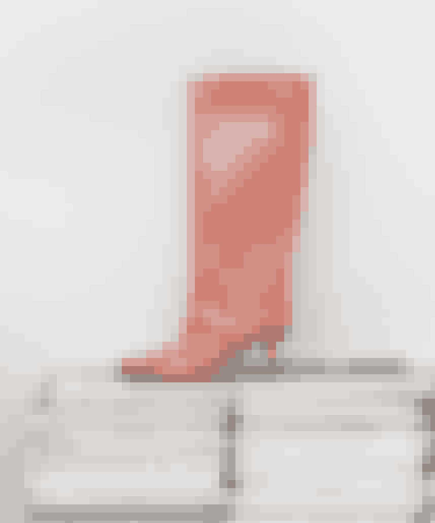 Spice up your lifeDe laksefarvede lakstøvler er fra Dear Frances. De er en relativ ny tilføjelse til skoskabet, og jeg har endnu kun brugt dem en gang. Jeg glæder mig til at tage dem i brug sammen med smalle jeans og sætte lidt krydderi på hverdagen.