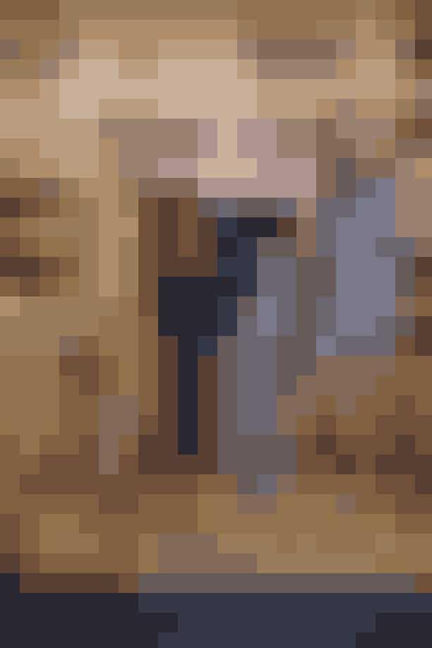 Maria Barfod i kjole fra Mulberry og smykker fra Maria Black, Thomas Barfod, Hanni Gohr i bukser fra Morten Ussing og sko fra & Other Stories og Christel Winther.