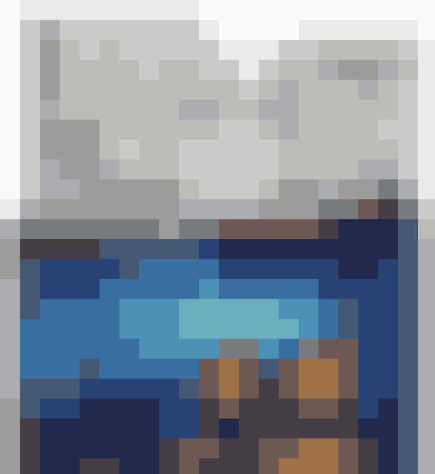 """Artic Treehouse Hotel, Finland Hvis I ikke umiddelbart har overvejet Finland som en mulig destination for jeres bryllupsrejse, vil det måske ændre sig nu. Artic Treehouse Hotels bæredygtige luksushuse står på bjergene og er det perfekte sted til at """"putte dig ind til din partner, mens I ser nordlyset fra sengen"""", fortæller chefredaktør hos ELLE Sydafrika, Kelly Fung. Book deres Arctic Glass House og slap af i jeres private sauna, inden I skal smage den lokale gastronomi på hotellets restaurant, Rakas.Se mere HER."""