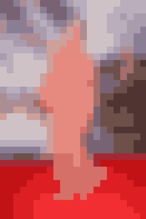 Tatjana Patitz Tatjana Patitz, der er født i Tyskland og opvokset i Sverige, er endnu en verdenskendt supermodel som man ikke kan komme udenom. Den smukke model med de ikoniske øjenbryn har været ansigt for en række skønhedsbrands som L'Oréal og Revlon og har herudover været at finde i George Michaels Freedom! '90' sammen med supermodel-kollegaerne Naomi Campbell, Christy Turlington, Cindy Crawford og Linda Evangelista.