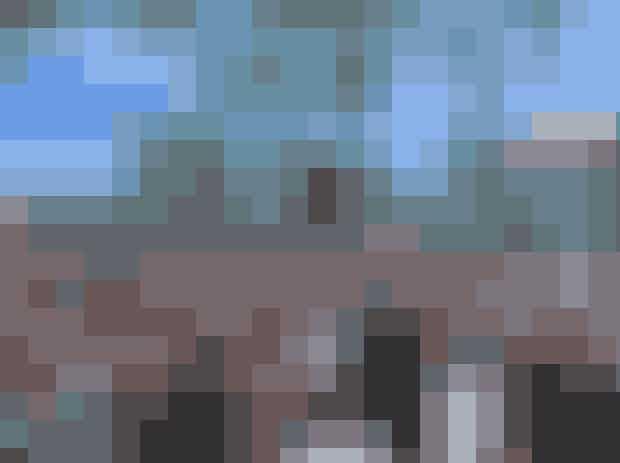 Trendsales Market på Israels PladsTrendsales Market er traditionen tro rykket ud på Israels Plads. I juli stiller 70 stadeholdere op med en masse lækkert secondhand-mode, hvor du kan gøre et kup. Influencerne Trine Kjær og Karoline Dall vil bl.a. være blandt stadeholderne ved næste marked.Hvor:Israels PladsHvornår: Søndag den 14. juli kl. 10:00-15:00.