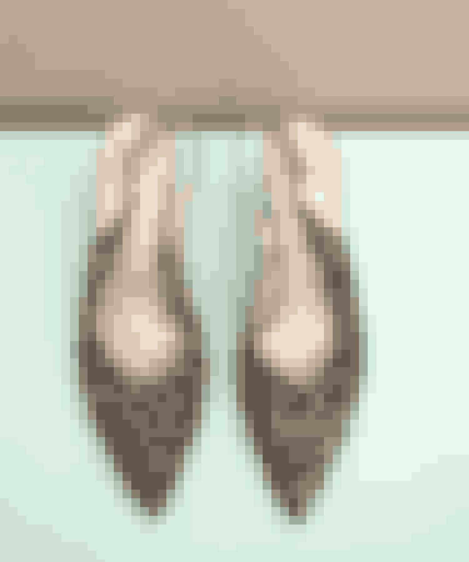 VenindeskoMin kollega og veninde Sania d'Mina har lavet et skobrand i eget navn. Hun har virkelig nørdet med komfort og pasform, og det er uden at lyve de eneste sko med høj hæl, som jeg kan have på i otte timer i træk. Det er de perfekte høje hæle til hverdag.