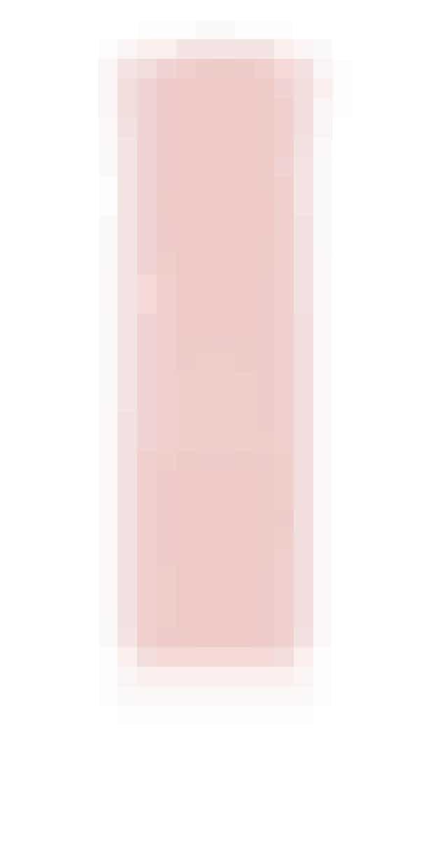 Sprayen fra Oribe bidrager til en sund hovedbund og giver mit fine hår ekstra fylde. En vindende kombination. 'Serene Scalp Thickening Treatment Spray', volumenspray, Oribe, 125 ml, 495 kr.