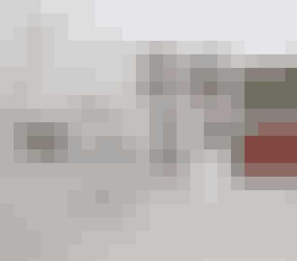 Yoko Ono udstiller på Kunsthal Charlottenborg og beder danskere i hele landet fotografere sine værkerNår Yoko Onos udstilling 'Yoko Ono Transmission' på Kunsthal Charlottenborg bevæger sig ud i hele lande i form af værker på billboards rundt omkring i bybilledet, opfordrer kunstneren alle danskere til at tage fotografier af værkerne i bybilledet og på den måde bidrage til udstillingen. De bedste fotografier belønnes med et kunstværk af den japansk/amerikanske kunstner. Hvis du ønsker at få chancen for at blive en del af udstillingen, tag da et billede af Yoko Onos værker, skriv dit navn og placeringen af det billboard du har taget billede af, og send til: am@kunsthalcharlottenborg.dk.Fakta om udstillingenUdstillingsperiode: 13. oktober 2017 til 18. februar 2018Hvor: Kunsthal Charlottenborg, Kongens Nytorv 1, 1050 København KLæs mere om udstillingen her.