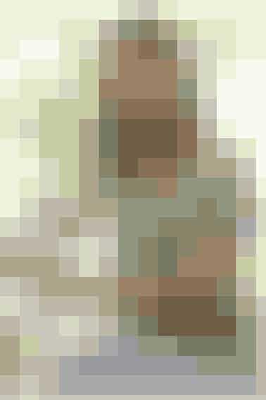 Strik en fin, grøn bluse med hulmønster - se opskrift her
