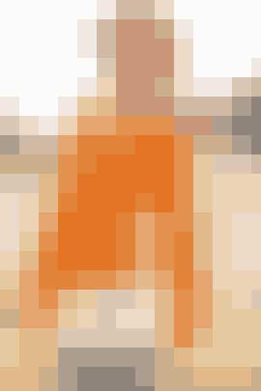 Stærke farver er på mode, så denne orange, hulmønstrede trøje er lige i øjet- se opskriften her