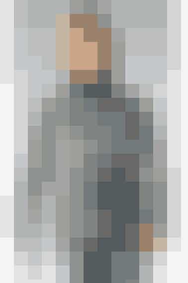 Garnet er spundet sammen af flere grå farver, så striberne kommer helt af sig selv - se opskriften her