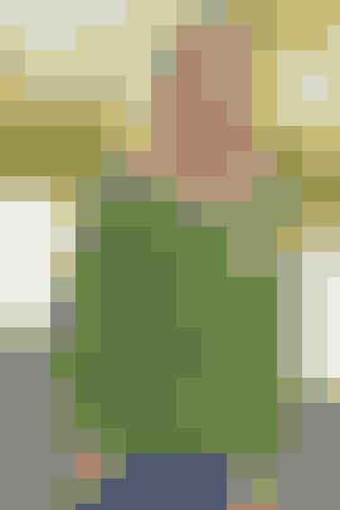 Blød pigecardigan med nemt hulmønster - se opskriften her