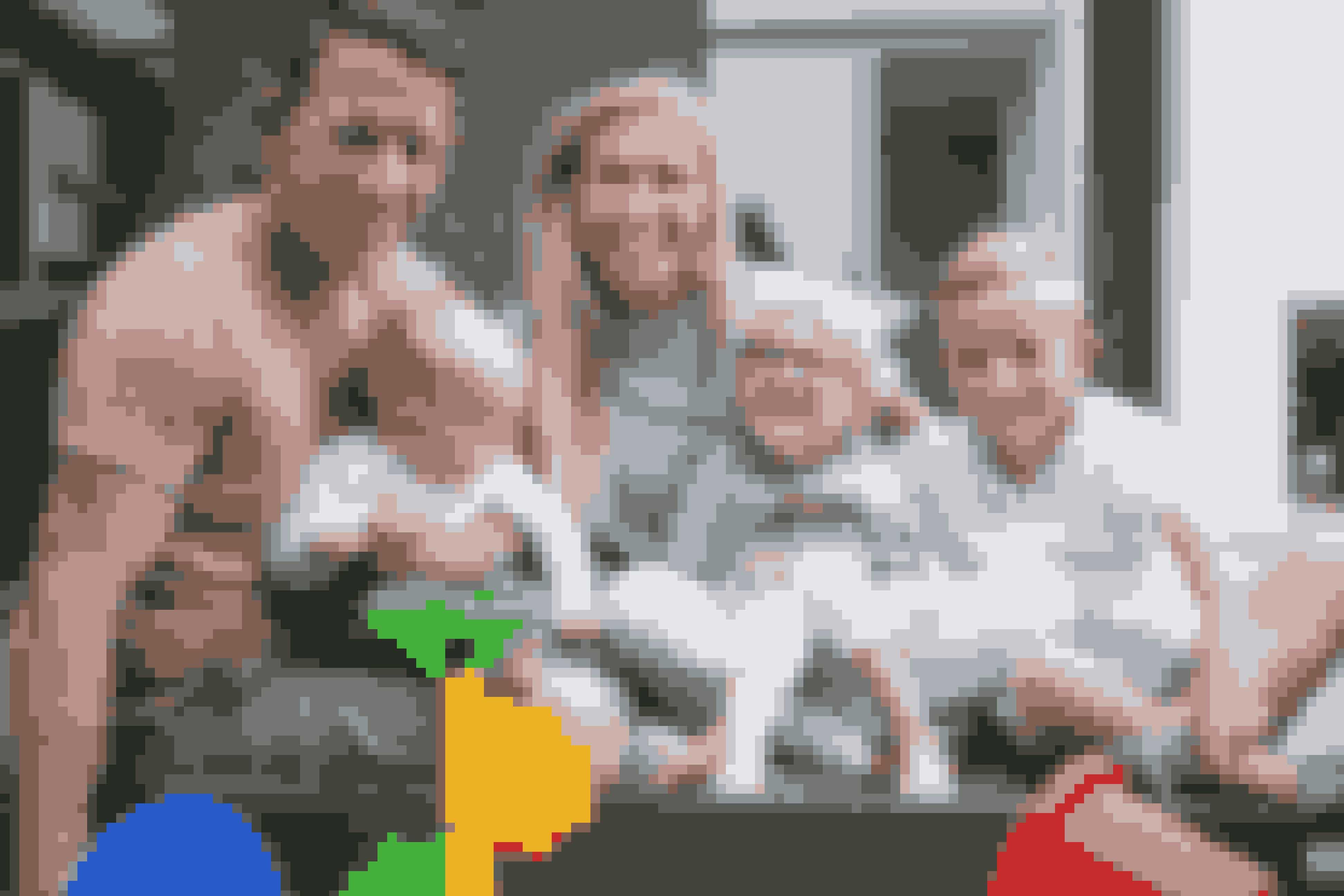 Gitte Møller bor i Hvidovre med sin mand og tre børn. Det mellemste barn, Julie på fire år, er spastisk lammet i benene, men Gitte gør alt for at datteren skal komme på benene og få den bevægelsesfrihed, hun fortjener. Ifølge manden Jesper Kroggaard Møller er hans kone af en helt særlig støbning - ja, nærmest en superhelt - som ikke bare formår at tage hverdagen på sine skuldre, men også kæmpe en kamp af de store for deres datter.Læs historien her >>