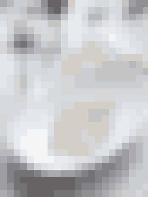 Dæk op med gækkebreveKlip fine gækkebreve til dine gæster: Brug dem som bordkort og skriv blot gæstens forbogstav efterfulgt af det antal prikker, gæsten har af bogstaver i sit navn …
