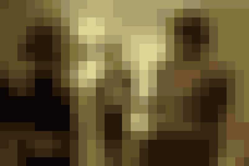 """FEUD: BETTE AND JOANEn legendarisk fejde imellem to af Hollywoods største stjerner. Det er bare til alle tider godt stof. I denne uge starter serien """"Feud: Bette and Joan"""", hvor vi får vi historien om den rivalisering, der fandt sted imellem Joan Crawford og Bette Davis.I rollen som Joan Crawford ses Jessica Lange, mens Susan Sarandon spiller Bette Davis. Vises på HBO.Foto: hbonordic.com"""