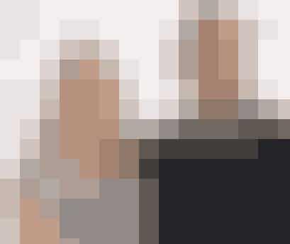 Christina RoslyngDen tidligere landsholdsstjerne i håndbold Christina Roslyng fik den 7. april 2015 sit andet barn, sønnen August, med manden Lars Christiansen, der også tidligere har spillet på håndboldlandsholdet. Det sportsglade par har i forvejen endnu en søn, Frederik.