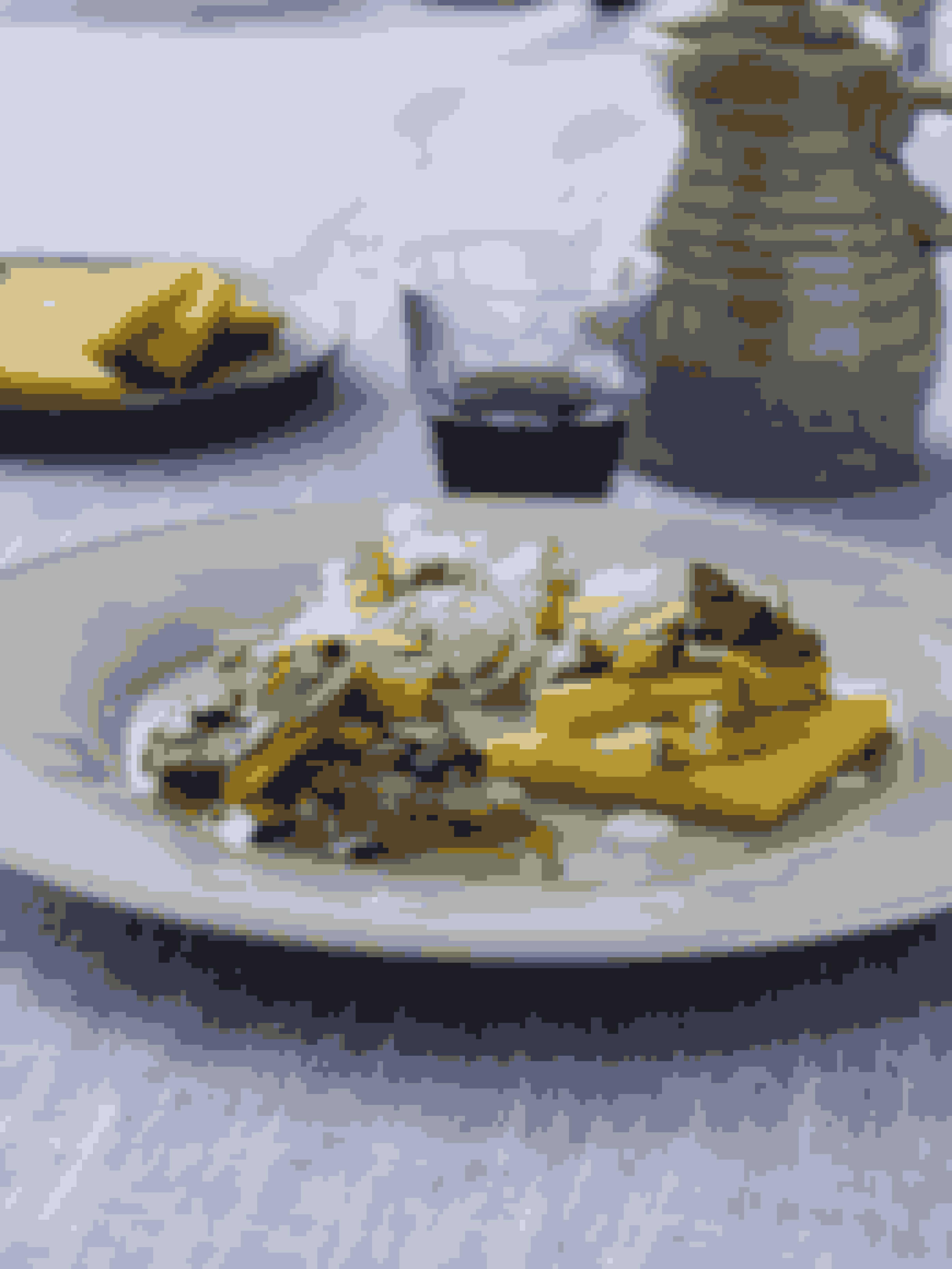 Den italienske: Kalv med stegt polenta og fennikelsalat 'Man får tit bare et skønt stykke kød uden tilbehør, når man spiser italiensk, men til den her opskrift er der både en frisk salat og stegt polenta til kalveschnitzlerne. Se opskriften her!