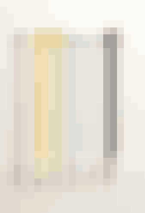 Tandbørste og holder fra arkitekt og designer Claesson Koivisto Rune.Find den her!