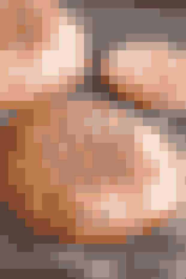 Portobello burger:   Når grillen alligevel er tændt, så smid et par portobellosvampe på sammen med et par hakkebøffer af magert hakket oksekød. Så kan du bruge svampene i stedet for burgerboller og på den måde gøre din burger lidt sundere J Husk at holde igen med mayo, ost, bacon osv., hvis du ønsker et sundt alternativ til den ellers kalorieholdige burger.  Kilde: Healthyskinnybitch.dk