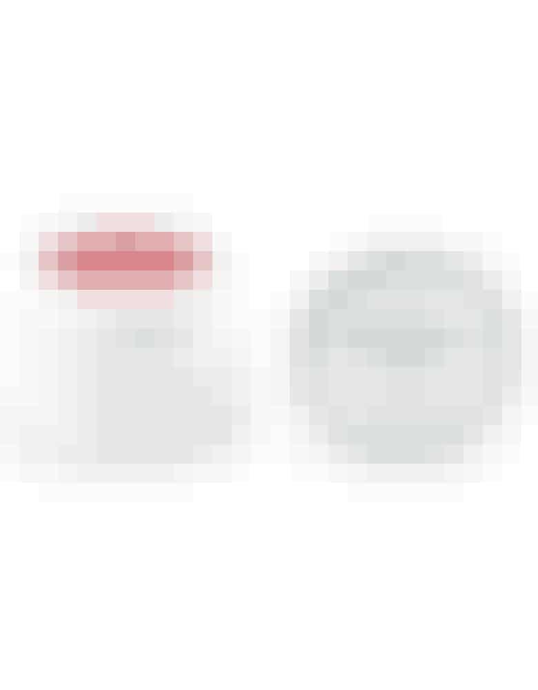 Lipbalm til de vintersprukne læber, her i en diskret rosa farve Normalpris: 120,-  Med rabatkoden i denne uge: 96,-  Find denHER