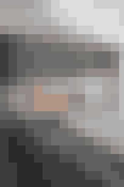 Tapet, der forestiller rå træpaneler i drivtømmer farve, 240 kr./m2. Køb det her!